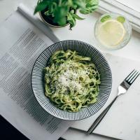 Helppoa arkiruokaa: Lehtikaalipesto-pasta